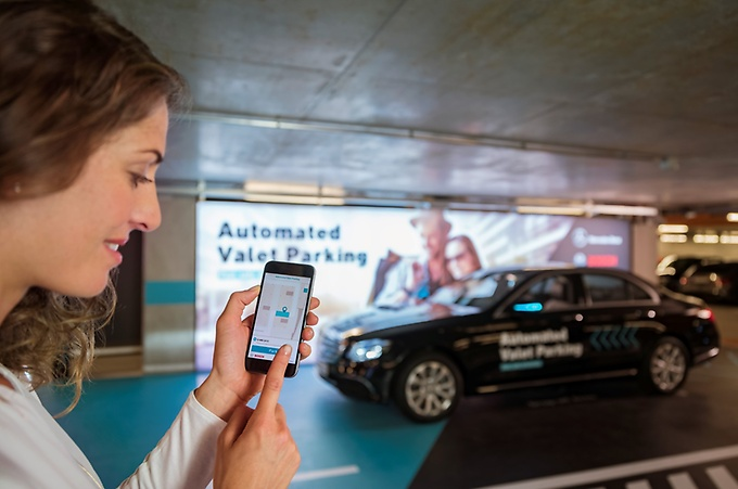 how-the-mercedes-automated-valet-parking-works-128807_1