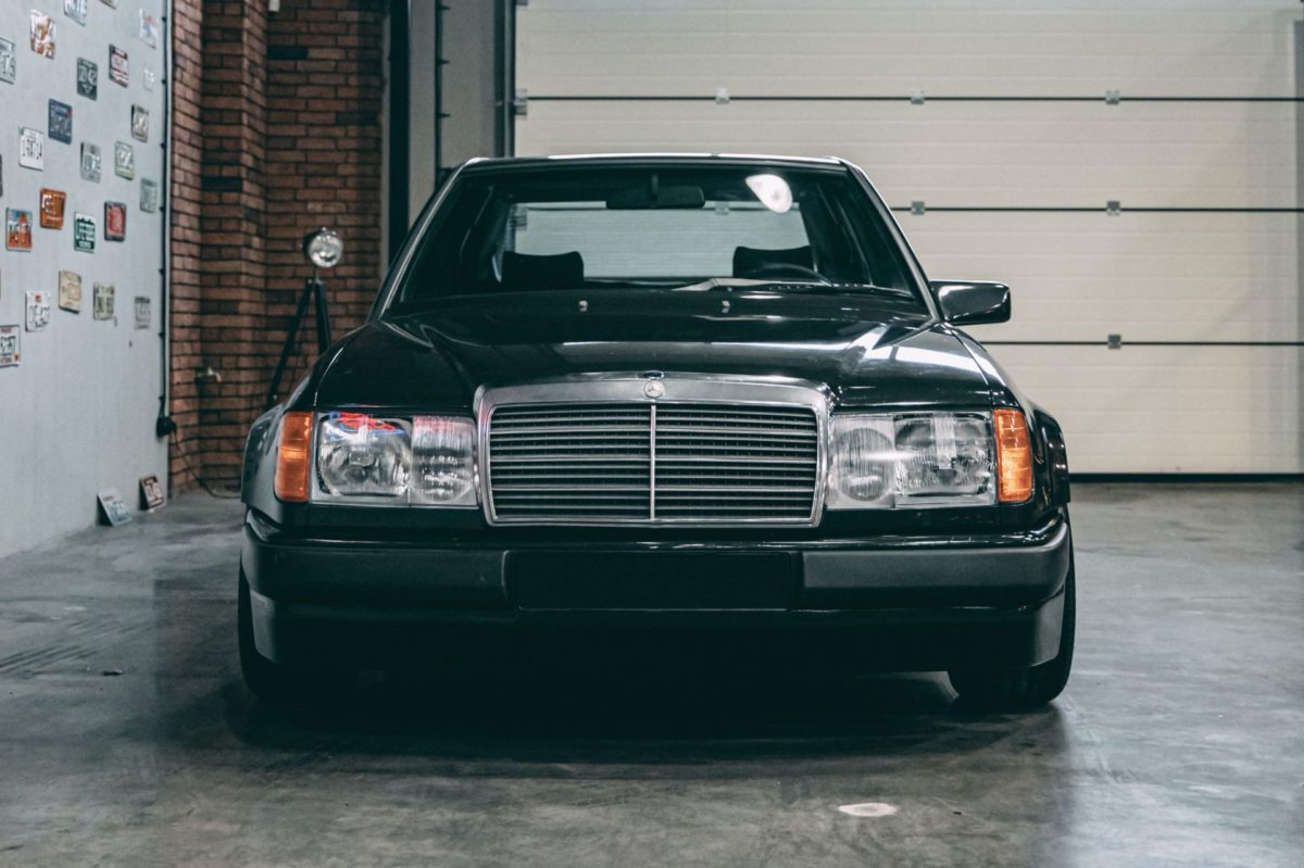 1988-Hartge-F1-Mercedes-Benz-300E-with-BMW-M88-engine-7